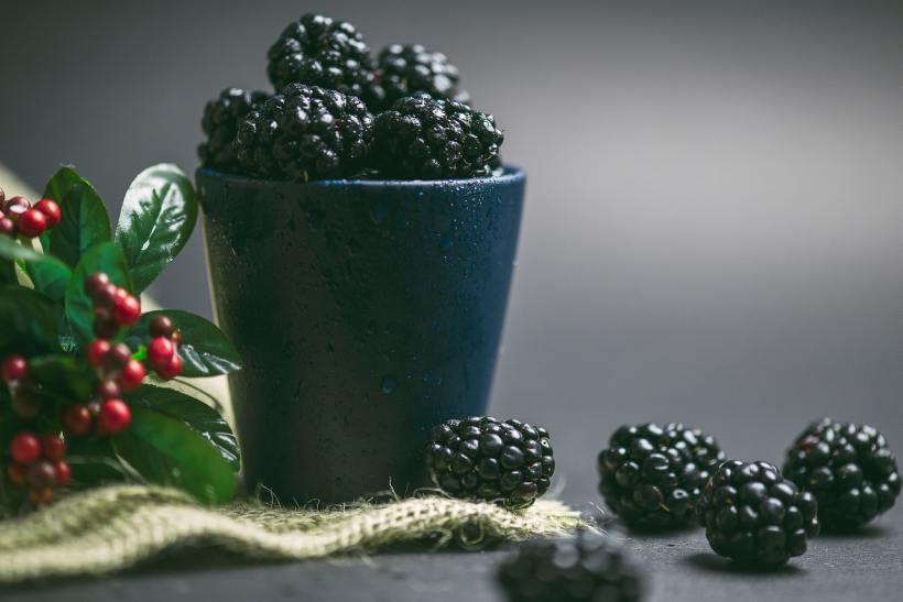 round-black-fruits-3514320
